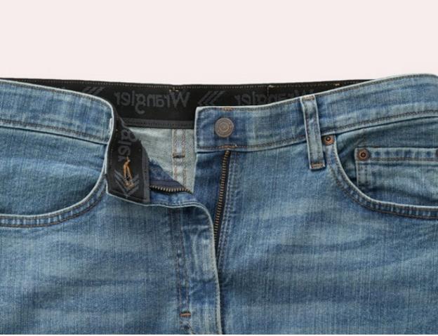 NWT - Wrangler Regular Straight Series Jean w