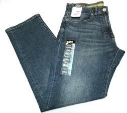 """Men's """"Lee"""" Performance  Extreme Motion Athletic Fit Tapered"""