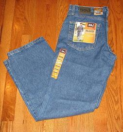 Lee Men's Regular Fit Straight Leg Sits Waist Jeans Blue Pep