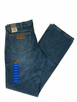 Wrangler Men's Retro Slim Fit Boot Cut Jean, River Wash, 77M