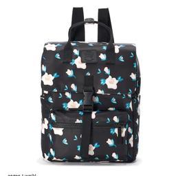 T-Shirt & Jeans Floral Square Backpack  - Black/floral - Ret